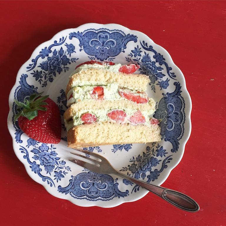 Erdbeer Matcha Torte sophiagaleria