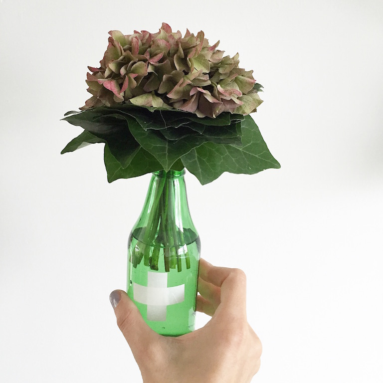 dekoration hallo herbst d i y tischdeko mit hortensien sophiagaleria. Black Bedroom Furniture Sets. Home Design Ideas