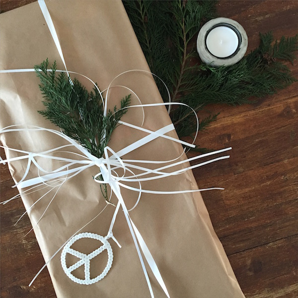 Weihnachtsgeschenke verpacken Idee sophiagaleria Ikea