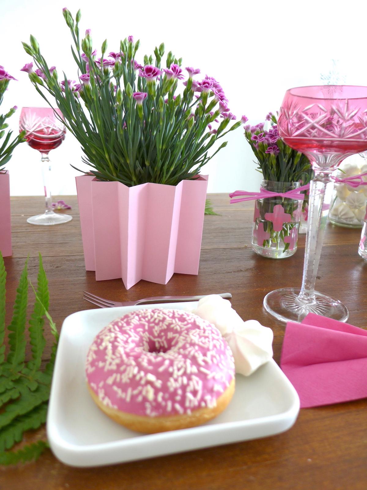 Pink Day DIY Blumen Nelken Tischdeko sophiagaleria