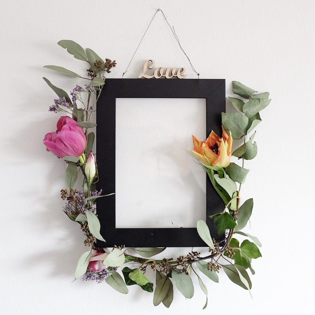 flower power bloggers diy blumen workshop florale bilderrahmen sophiagaleria. Black Bedroom Furniture Sets. Home Design Ideas