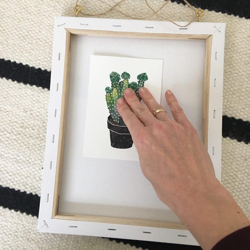 Dann Tesa Klebenägel Und Klebehaken Anbringen, Um Die Bilder Aufzuhängen.  Der Große Vorteil Ist, Daß Ihr Keinen Bohrer Braucht. Und Wenn Ihr Den  Klebenagel ...