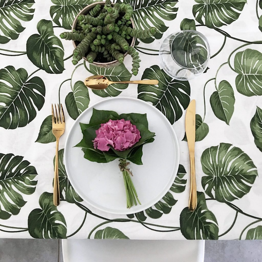 hortensien efeu tisch deko in 5 minuten sophiagaleria. Black Bedroom Furniture Sets. Home Design Ideas