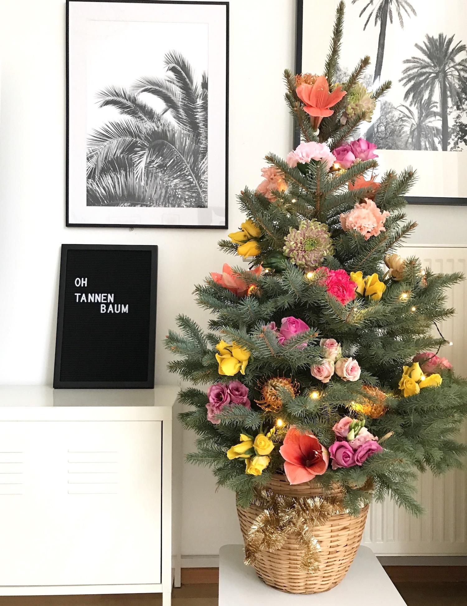 oh floraler tannenbaum weihnachtsbaum deko sophiagaleria. Black Bedroom Furniture Sets. Home Design Ideas