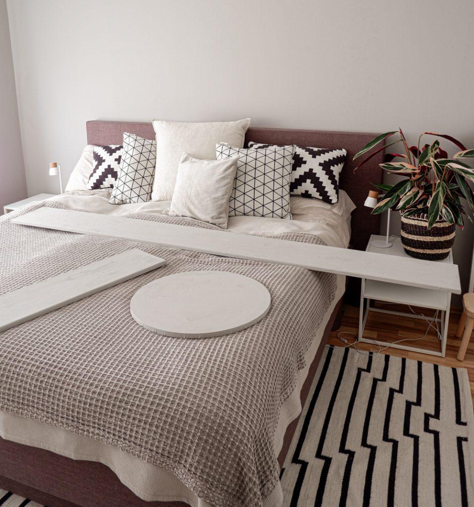 Schlafzimmer DIY Wanddeko mit Leinwand