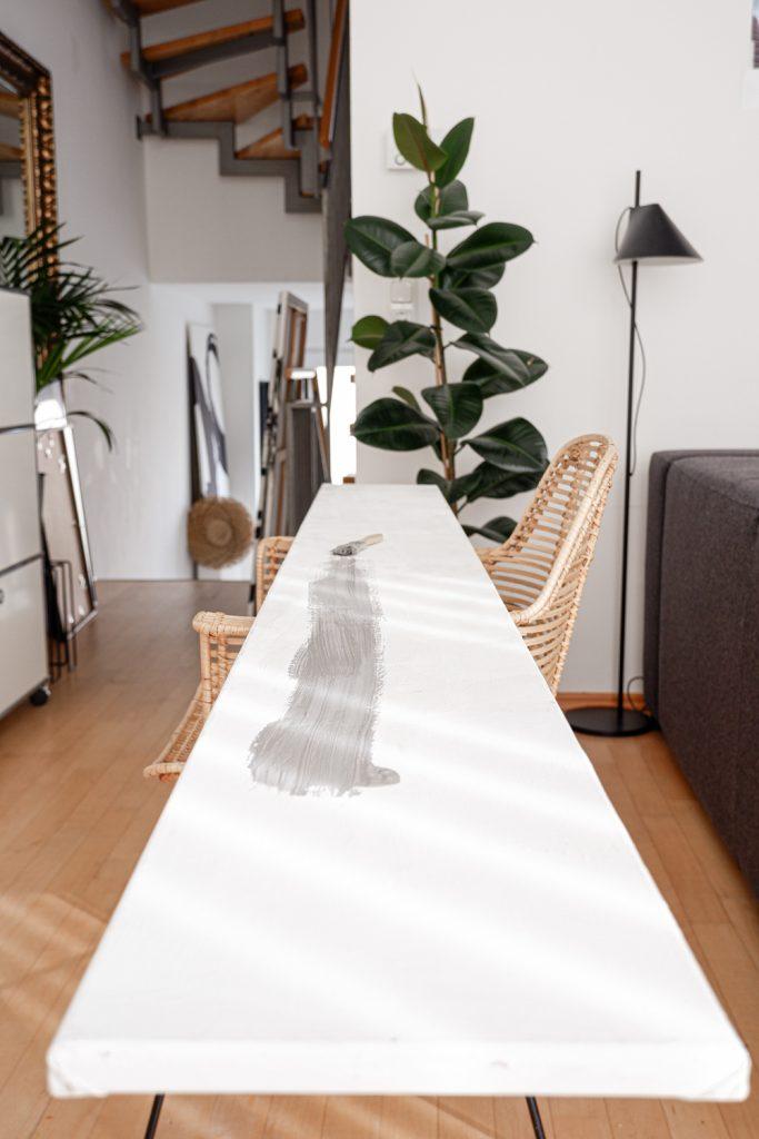 DIY Leinwanddeko mit Wandfarbe