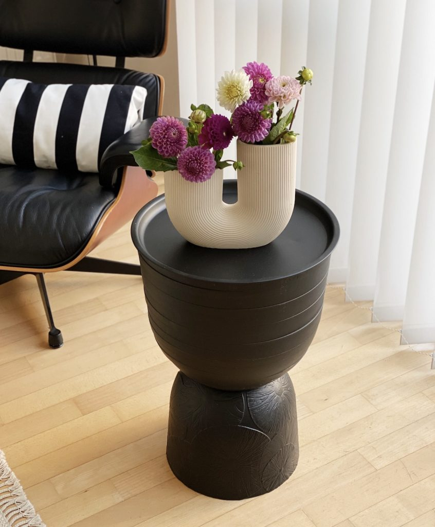 DIY Side Table with flowers sophiagaleria